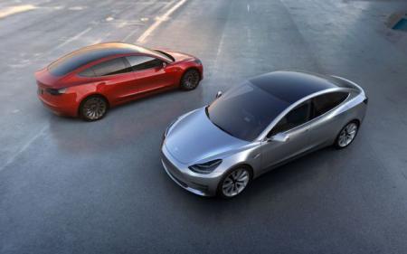 Tesla_Auto_Pilot2