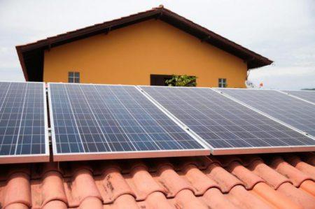 celesc_subsidia_painel_solar