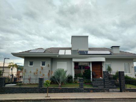 Residência em Pouso Redondo, Usina LZK-1.